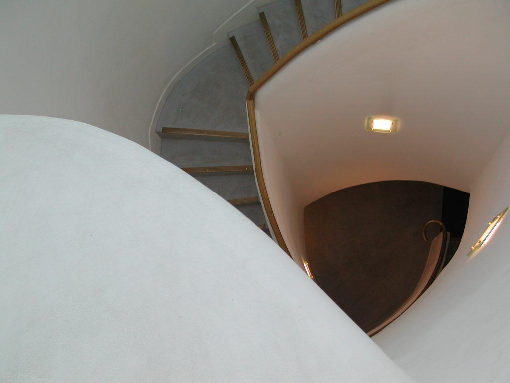 二重らせん階段のためのサウンドインスタレーション 《浪漫》